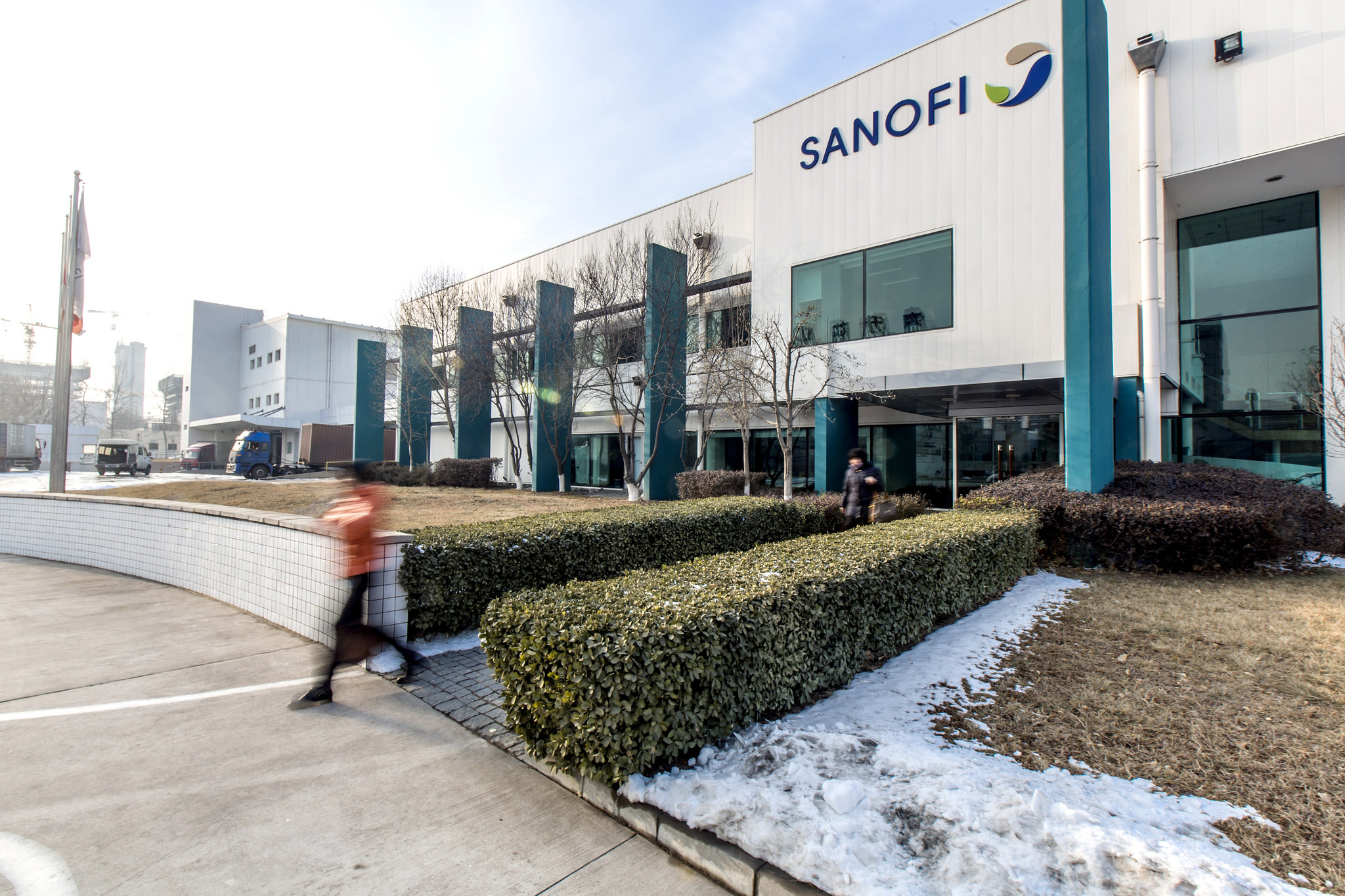 Sanofi faces possible manslaughter charges in epilepsy drug probe