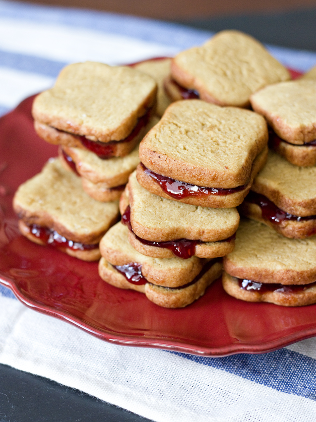 These Mini Peanut Butter Jelly Cookies Are a Delicious Cut Up