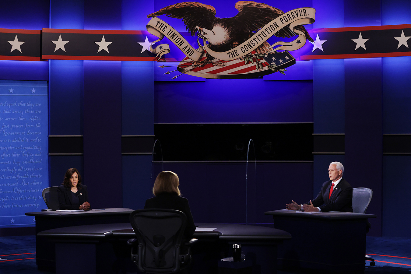 In Debate, Pence and Harris Offer Conflicting Views of Nation's Reality